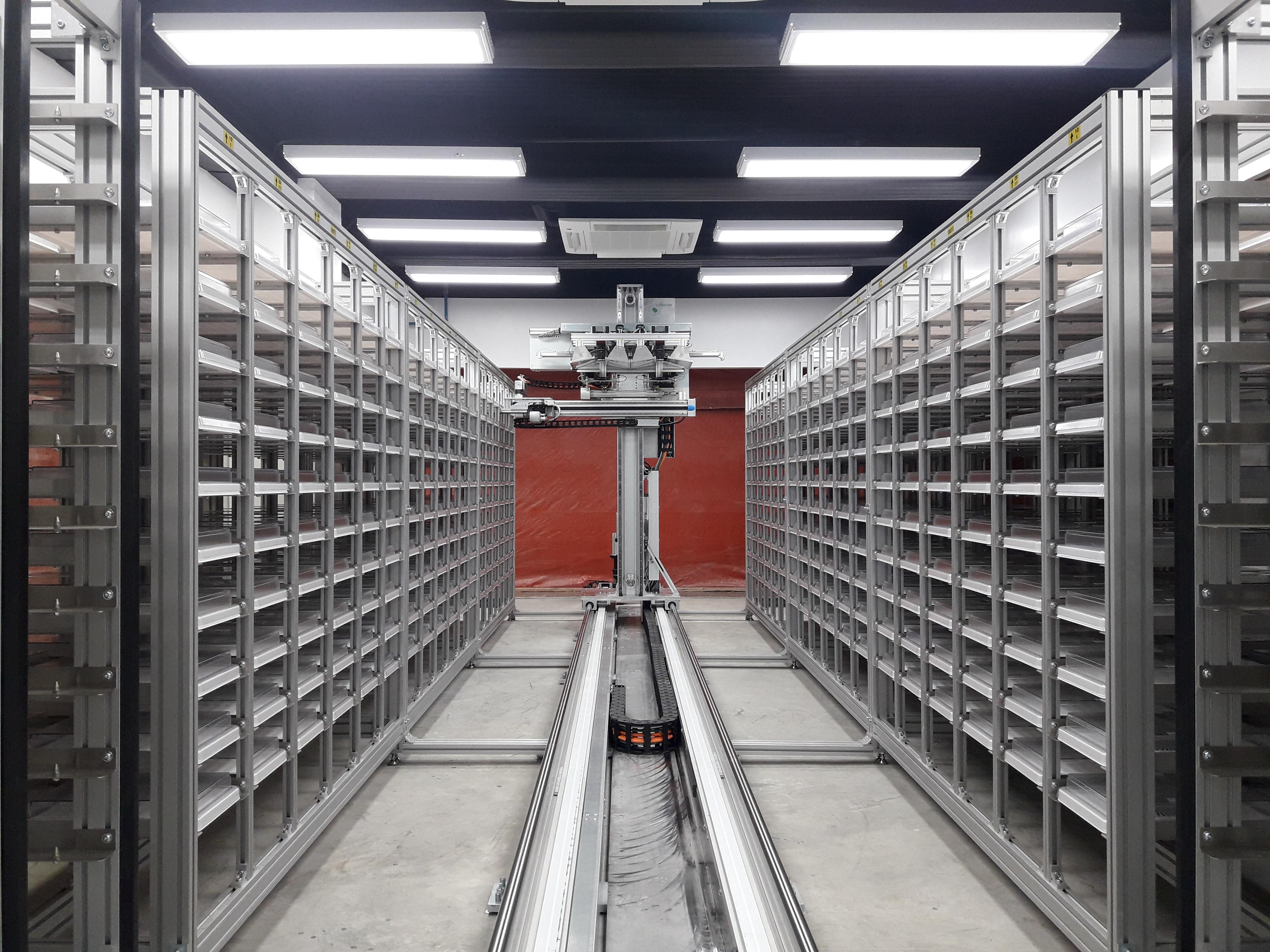 SeedAIxpert HT Shelf System